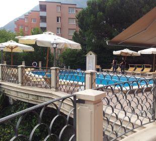 Angenehme Poolanlage Hotel De La Paix