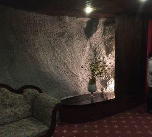 Tunnel zum Nebengebäude MIRA Hotel Schloss Rosenegg