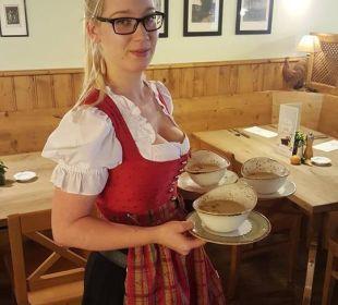 Servicemitarbeiterin Frau Karoline Zellhofer Hotel Goldener Stern