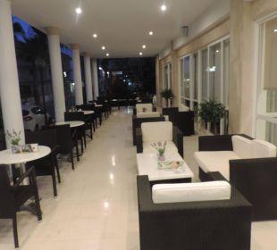 Gemütlich draußen essen JS Hotel Sol de Can Picafort