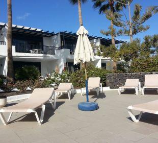 Poolbereich Liegen Bungalows & Appartements Playamar