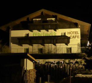 Hotel am Abend Hotel Edelweiß