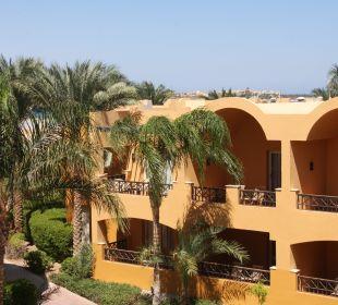 Sicht auf den Nachbarwohnbereich Stella Di Mare Beach Resort & Spa Makadi Bay