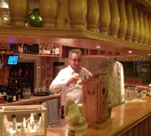 Herr Kohler Chef des Hotels !!!!! Hotel Engel Kohler