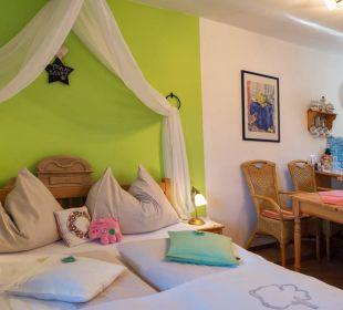 Familien Zimmer Saustall für bis 4 Pers. Landhaus FühlDichWohl