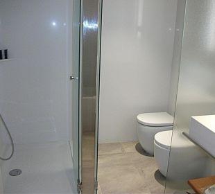 Dusche und WC Crowne Plaza Barcelona - Fira Center