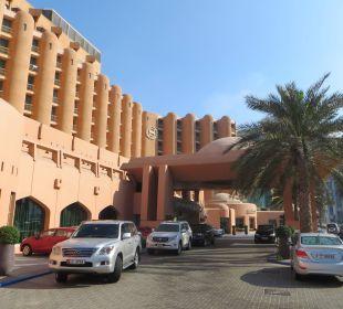 Hoteleingang Sheraton Hotel & Resort Abu Dhabi
