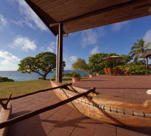 Genießen Sie auf unserer Terrasse einen Cocktail Sandy Beach Resort Tonga