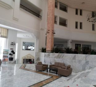 Lobby Hotel Vincci Marillia