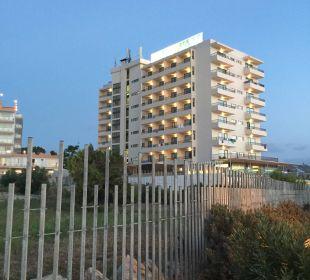 In der Dämmerung von der Promenade aus  Intertur Hotel Hawaii Ibiza