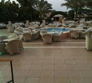 Terrasse hier kann man am Abend toll sitzen! TUI MAGIC LIFE Kalawy