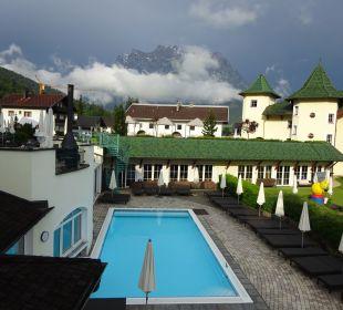 Pool Leading Family Hotel & Resort Alpenrose