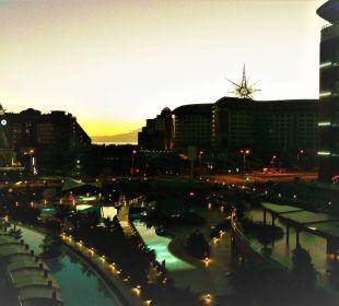 Blick zur Straße vom zimmer 1234 aus im Aska Lara Aska Lara Resort & Spa