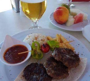 Mittagssnack im Bonsai-Restaurant Barut Arum