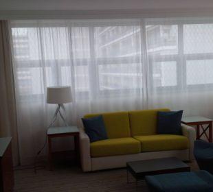 Wohnbereich der Suite Courtyard Hotel by Marriott Berlin Mitte