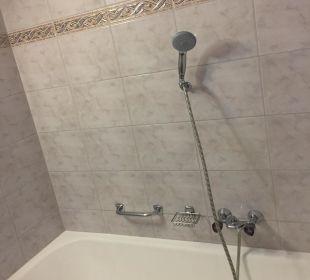 Altes Bad ohne Duschvorhang Sporthotel Ellmau