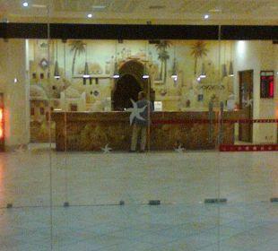 Haupteingang Hotel Safira Palms
