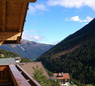 Blick vom Balkon Alpengasthof Pension Praxmar
