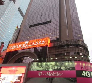 Broadway-Eingang Crowne Plaza Hotel Times Square Manhattan