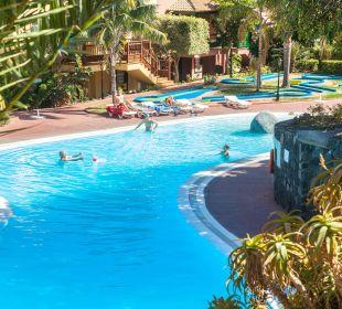 Vista de la Piscina Hotel Oasis San Antonio