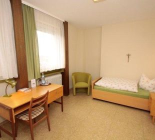 Zimmerbeispiel Einzelzimmer Kloster Maria Hilf