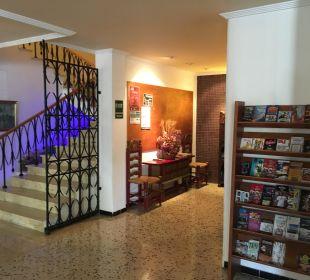 Lobby/Eingang Hotel Abrat