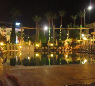 Przy hotelu Hotel Krizantem