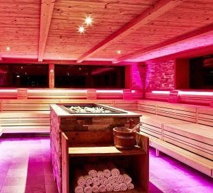 Panorama-Sauna bei Nacht DolceVita Hotel Preidlhof
