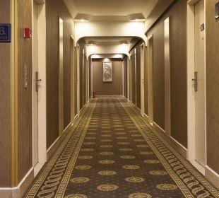 Hall Hotel Grand Anka