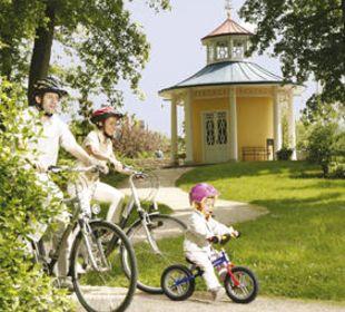 Radler im Schlosspark Hotel Central Vital