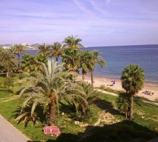 Blick vom Balkon auf Strand, Meer u. Stadt lti fashion Garbi