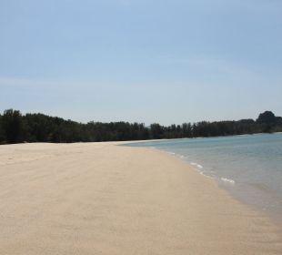 Schoener Sandstrand Hotel Tanjung Rhu Resort