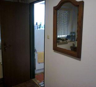 Wandspiegel + Toiletteneingang Gaststätte & Hotel Alte Münze