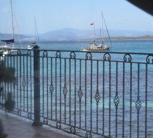 Blick aufs Meer von der Terrasse Hotel Gabbiano Azzurro