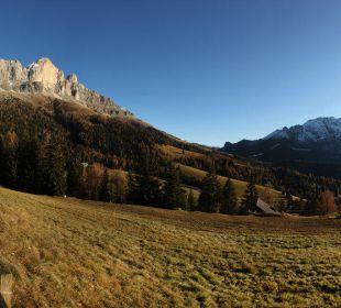 Ausblick auf die mächtigen Dolomiten Alpengasthof Jolanda