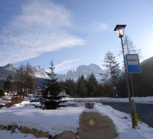 Ausblick in die Dolomiten Naturpark Hotel Stefaner