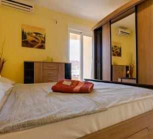 Schlafzimmer FeWo YUGOSLAVIA Ferienwohnung Utjeha.me