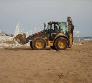 Arbeiten am Strand