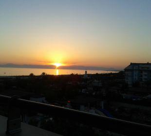 Ein Traum vom Sonnenuntergang Sunis Hotel Evren Beach Resort & Spa