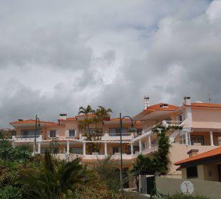 Blick vom Parkplatz zum Hotel Villa Opuntia