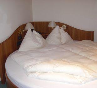 Круглая кровать Seeböckenhotel Zum weissen Hirschen