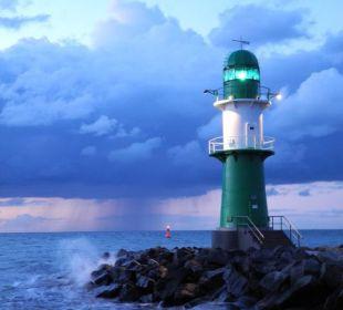 Leuchtturm in der Nacht Hotel Neptun