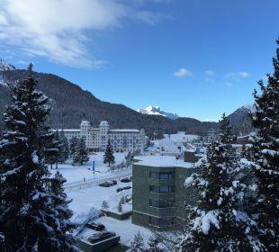 Blick am Morgen aus 4.Stock nach Westen Hotel Reine Victoria by Laudinella