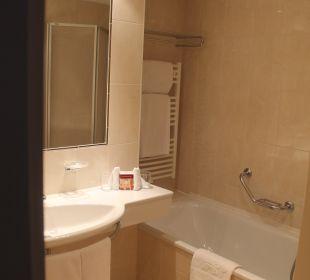 Das Bad. WC war separat  Hotel Stefanie