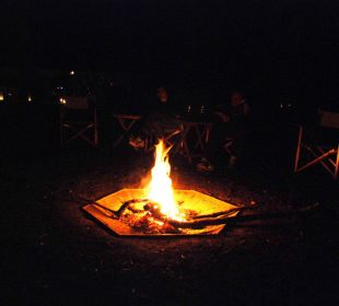 Oder am Lagerfeuer Mara Bush Camp