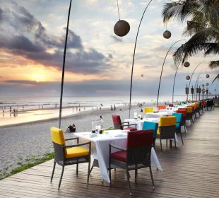 Dinning at beachfront The Samaya Bali - Seminyak