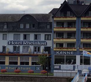 Rechts sind die Balkonzimmer Hotel Rheinlust
