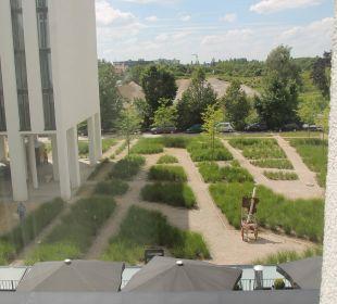 Ausblick zum Innenhof Leonardo Royal Hotel Munich