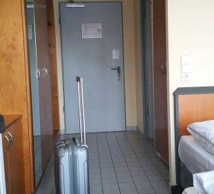 Zimmerflur.... Victor's Residenz Hotel Berlin Tegel
