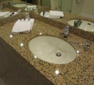 Waschbecken Zimmer  Globana Airport Hotel